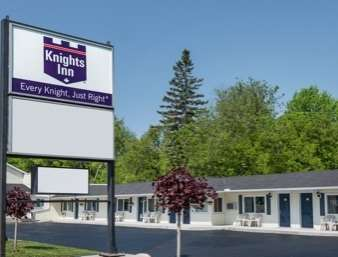 Pet Friendly Knights Inn Arnprior in Arnprior, Ontario