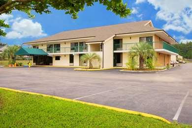 Pet Friendly Americas Best Value Inn-Tillmans Corner/Mobile in Mobile, Alabama