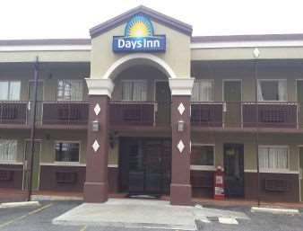 Pet Friendly Americas Best Value Inn in Hot Springs, Arkansas