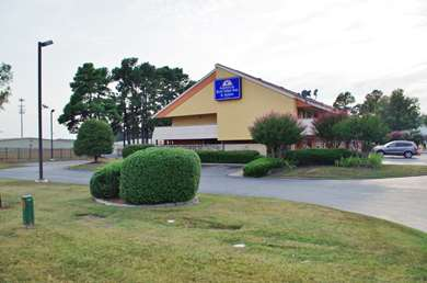 Pet Friendly Americas Best Value Inn & Suites in Little Rock, Arkansas