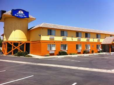 Pet Friendly Americas Best Value Inn in Dunnigan, California