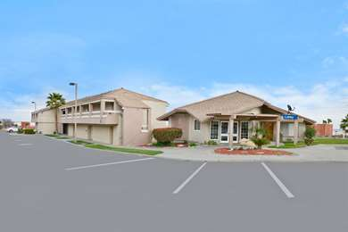 Pet Friendly Americas Best Value Inn in Kettleman City, California