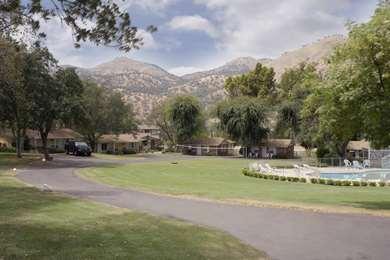 Pet Friendly Lazy J Ranch-Americas Best Value Inn in Three Rivers, California