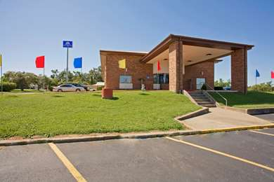 Pet Friendly Americas Best Value Inn in Ullin, Illinois