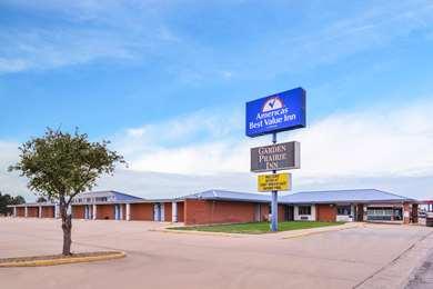 Pet Friendly Americas Best Value Inn in Ellsworth, Kansas