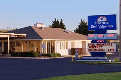 Pet Friendly Americas Best Value Inn in Salina, Kansas