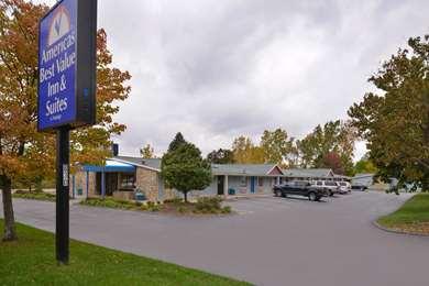 Pet Friendly Americas Best Value Inn & Suites in Jackson, Michigan