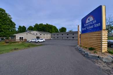 Pet Friendly Americas Best Value Inn in Marquette, Michigan