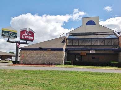 Pet Friendly Americas Best Value Inn & Suites-Detroit/Warren in Warren, Michigan