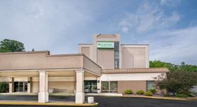 Pet Friendly Americas Best Value Inn & Suites in Rochester, Minnesota