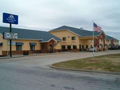 Pet Friendly Americas Best Value Inn & Suites in Nevada, Missouri