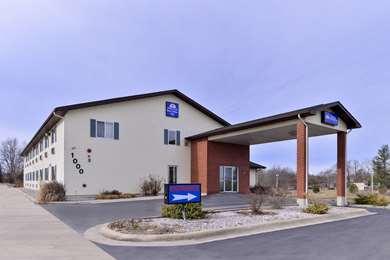 Pet Friendly Americas Best Value Inn in Seymour, Missouri