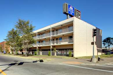 Pet Friendly Americas Best Value Inn-St. Louis / Downtown in Saint Louis, Missouri