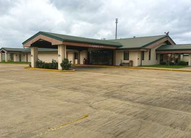 Pet Friendly Americas Best Value Inn & Suites in Aberdeen, Mississippi