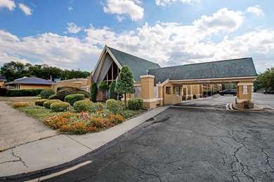 Pet Friendly Americas Best Value Inn in Whippany, New Jersey