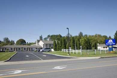 Pet Friendly Americas Best Value Inn-E. Greenbush/Albany in East Greenbush, New York