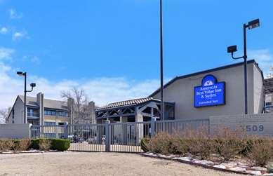 Pet Friendly Americas Best Value Inn & Suites in Tulsa, Oklahoma