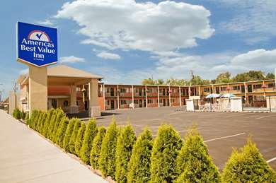 Pet Friendly Americas Best Value Inn in Pendleton, Oregon