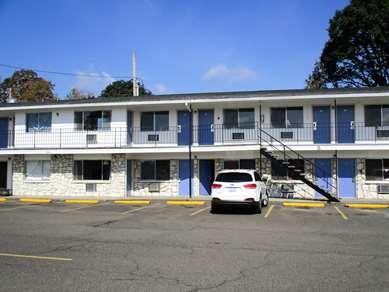 Pet Friendly Motel 6 St. Helens OR in Saint Helens, Oregon