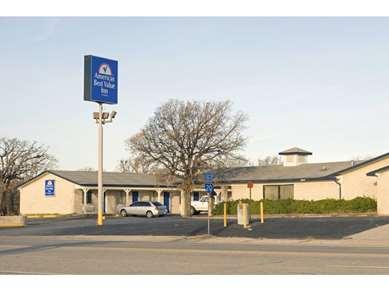 Pet Friendly Americas Best Value Inn in Cisco, Texas