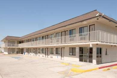 Pet Friendly Americas Best Value Inn & Suites-Groves/Port Arthur in Groves, Texas