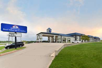 Pet Friendly Americas Best Value Inn & Suites-Manor/Austin East in Manor, Texas