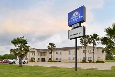 Pet Friendly Americas Best Value Inn in Somerville, Texas