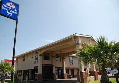 Pet Friendly Americas Best Value Inn in Tyler, Texas