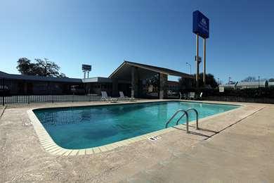 Pet Friendly Americas Best Value Inn in Uvalde, Texas