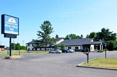 Pet Friendly Americas Best Value Inn in Hayward, Wisconsin