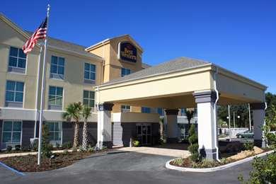 Pet Friendly Best Western Plus Chain Of Lakes Inn & Suites in Leesburg, Florida