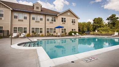 Pet Friendly Best Western PLUS Park Inn in Saratoga Springs, New York