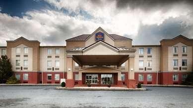 Pet Friendly Best Western Plus New Cumberland Inn & Suites in New Cumberland, Pennsylvania