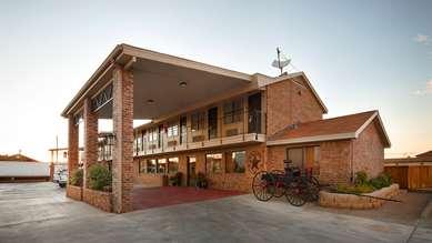 Pet Friendly Best Western Caprock Inn in Brownfield, Texas