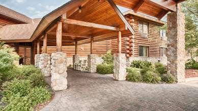 Pet Friendly Best Western Northwoods Lodge in Siren, Wisconsin
