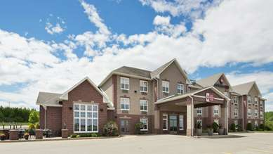 Pet Friendly Best Western Plus Grand-Sault Hotel & Suites in Grand Falls, New Brunswick