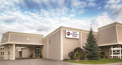 Pet Friendly Best Western Plus Mariposa Inn & Conference Centre in Orillia, Ontario