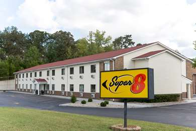 Pet Friendly Super 8 Radcliff/Fort Knox in Radcliff, Kentucky