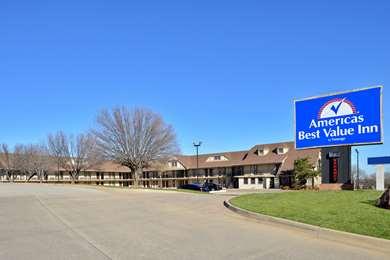 Pet Friendly Americas Best Value Inn - Edmond/Oklahoma City North in Edmond, Oklahoma