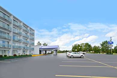 Pet Friendly Americas Best Value Inn & Suites in Benton Harbor, Michigan