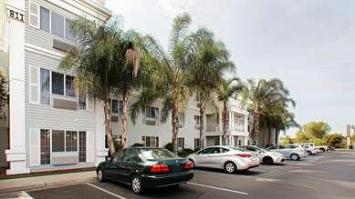 Pet Friendly Best Western Luxury Inn in Tracy, California