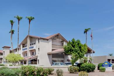Pet Friendly Days Inn and Suites Tempe in Tempe, Arizona