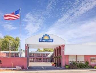 Pet Friendly Days Inn Hotel Burns in Burns, Oregon