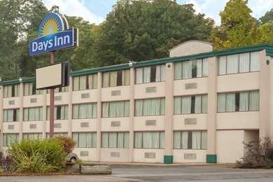 Pet Friendly Days Inn Schenectady in Schenectady, New York