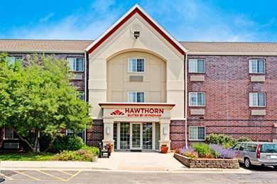 Pet Friendly Hawthorn Suites by Wyndham Chicago Hoffman Estates in Hoffman Estates, Illinois