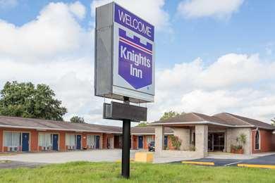 Pet Friendly Knights Inn Arcadia in Arcadia, Florida