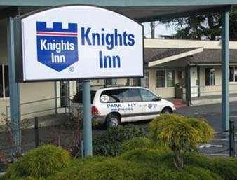 Pet Friendly Knights Inn Sea Tac Airport in Tukwila, Washington