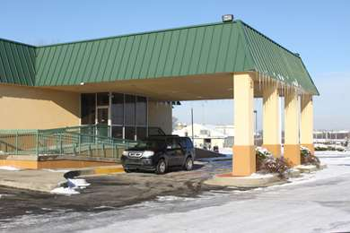 Pet Friendly Magnuson Hotel Florence in Florence, Kentucky