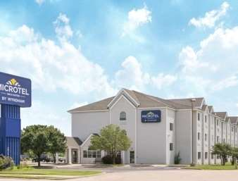 Pet Friendly Microtel Inn & Suites by Wyndham Independence in Independence, Kansas