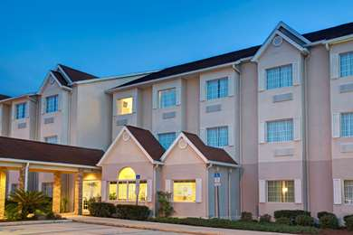 Pet Friendly Microtel Inn & Suites by Wyndham Lady Lake/The Villages in Lady Lake, Florida